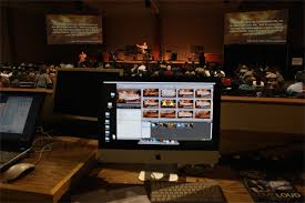 Screen Decoration At Back Of Altar Diy Projection Screens Church Stage Design Ideas