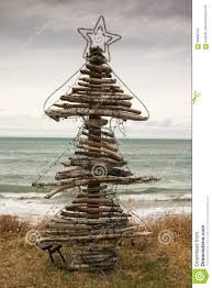 driftwood christmas tree pouaua beach gisborne new zealand