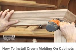 How To Cut Crown Moulding For Kitchen Cabinets Best 25 Crown Molding Installation Ideas On Pinterest Diy Crown