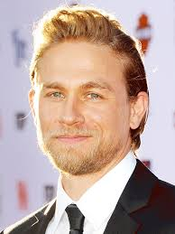 how to get thecharlie hunnam haircut charlie hunnam sons of anarchy sons of anarchy season 7 people com