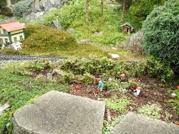 garden railway layouts railroad gardening the mini garden guru from twogreenthumbs com
