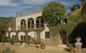 Famous Houses In Movies Sleep In Jim Morrison U0027s House And Other Celebrity Rentals