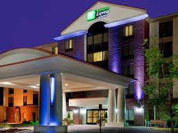 Table Rock Landing On Holiday Island by Holiday Inn Express U0026 Suites Chesapeake Hotel By Ihg