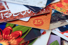 best deals on gift cards who buys gift cards how to find the best deals and get the