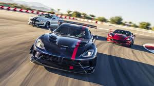 Dodge Viper V12 - corvette z06 vs mustang gt350r vs viper acr top gear