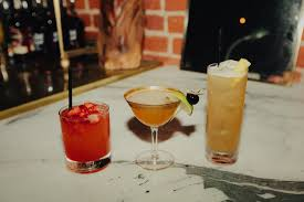 where to find the best cocktail bars in los angeles