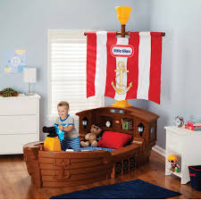 toddler theme beds omg which little boy doesn t wanna sleep in a pirate ship little