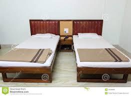 modele de chambre a coucher simple chambre à coucher simple intérieurs à la maison photo stock image