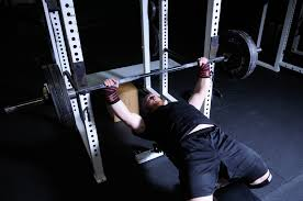 the bench press arch 4 reasons why you should use it bonvec