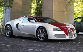 gold bugatti wallpaper white and red bugatti veyrons wallpapers 2550x1600 792683