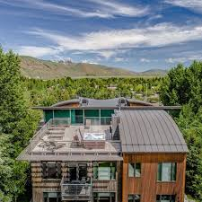 airbnb wyoming the most beautiful airbnb in every state jackson wyoming hot