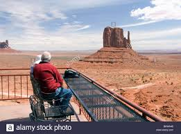 Monument Valley Utah Map by Monument Valley Utah Tourists Stock Photos U0026 Monument Valley Utah