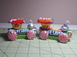 christmas table favors to make diy make dollar store candy trains for christmas