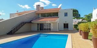 chambre avec piscine villa de luxe 3 chambres avec piscine à la périphérie de vilamoura