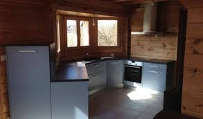 cuisine grise plan de travail noir cuisine aménagée réalisations mulhouse