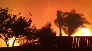 Wildfire Definition by Raging Wildfire Eerily Lights Up Southern California Sky