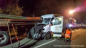 Feuerwehr Bad Hersfeld Verkehrsunfall Kleintransporter Gegen Traktorgespann