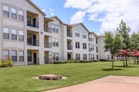 landings of carrier parkway apartments in grand prairie tx