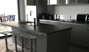 cuisine grise plan de travail noir cuisine am nag e r alisations montpellier grise et plan de travail