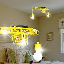 éclairage chambre bébé eclairage chambre enfant grue balises a accrocher enfant jaune