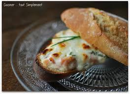 cuisiner un saumon baguette farcie au saumon cuisiner tout simplement le de