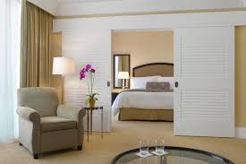 Louver Interior Door How To Hang Louvered Interior Doors Creative Home Decoration