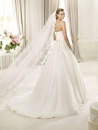 brautkleid pronovias pronovias presents its v 2217 bridal veil pronovias pronovias