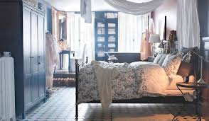 ikea master bedroom spencer hastings of pretty little liars has a great canopy bed