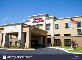3 story building alabama opelika hton inn and suites motel hotel chain exterior