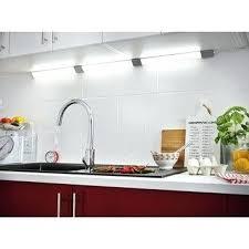 eclairage plan de travail cuisine castorama eclairage cuisine et dressing au meilleur prix leroy merlin