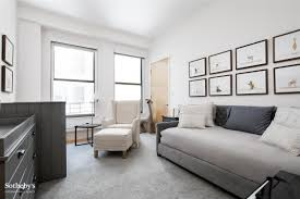 today show anchor savannah guthrie lists tribeca apartment for