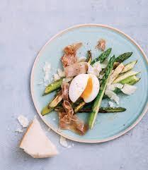 cuisiner asperges recette asperges vertes aux oeufs mollets