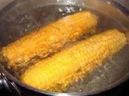 cuisiner du mais epis de maïs pochés ou grillés recettes de maïs recette par