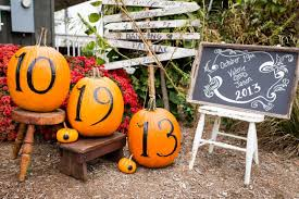 Fall Outdoor Decorations by Outdoor Fall Wedding Decorating Ideas