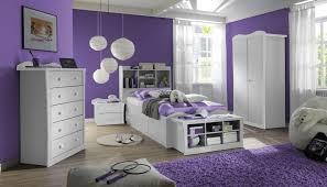 wandgestaltung lila zimmer lila streichen ideen tapeten lila farbe wandgestaltung in