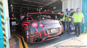 nissan gtr youtube top gear nissan gt r insane launch control between the crowds and revs
