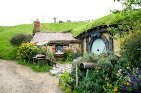 hobbiton slice middle earth tourism new zealand media download image