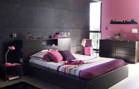 chambre couleur prune et gris comment associer la couleur gris en décoration décoration