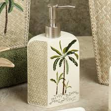 very cute palm tree bathroom decor