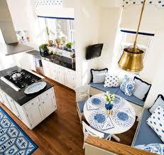 Kochinsel Modernes Wohndesign Geräumiges Modernes Haus Design Küche Weiss