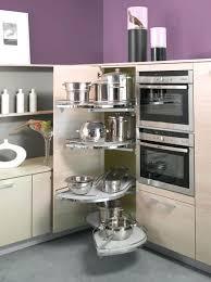 cuisine fonctionnelle colonne de rangement pour cuisine une cuisine fonctionnelle se doit