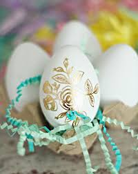 gold easter eggs easter egg ideas gold foil tattoos diycandy