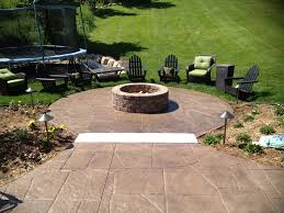 Fire Pit Ideas For Small Backyard by Stamped Concrete Patio Stamped Concrete Patio With Fire Pit