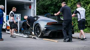 aston martin vulcan price newmotoring a surreal day with the aston martin vulcan