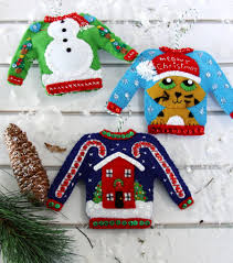in july sweater ornaments kit