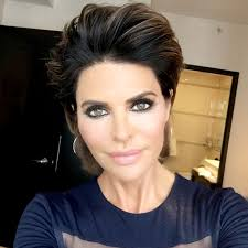 lisa rinna current hairstyle lisa rinna changes her hairstyle for first time in 20 years