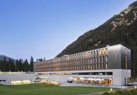 hotel architektur reutte alpenhotel ammerwald baumeister