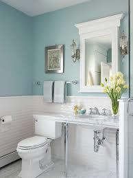 wandfarben badezimmer fliesenfarbe weiß wandfarbe blau kleines bad blaues badezimmer