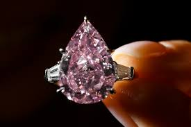 amazon com 4 75 carats this 9 carat pink diamond just sold for 18 million at christie u0027s