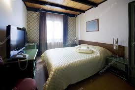 chambre de motel intérieur de chambre de motel photographie rilueda 78691972